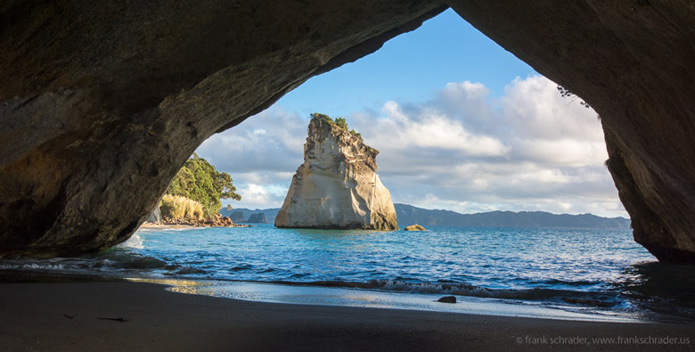 Cathedral Cove, Hahei, North Island of New Zealand