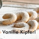 German Vanille Kipferl -- a Christmas cake and tradition (photo: www.frankschrader.us)