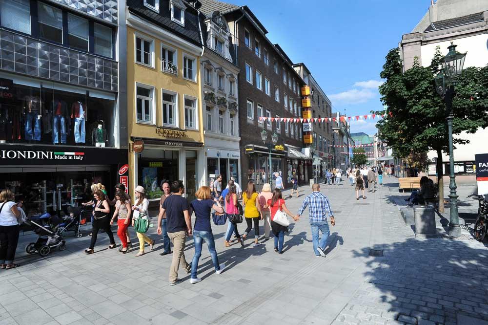 Altstadt, Flinger Strasse in Düsseldorf (photo: DMT)