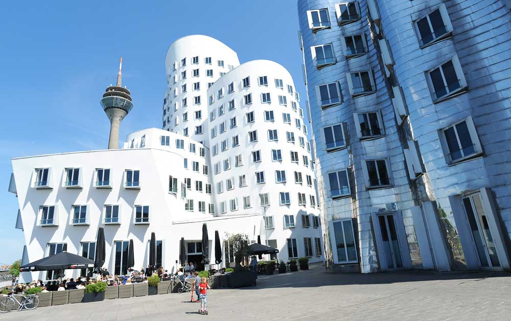 Medienhafen Düsseldorf -- Gehry Buildings (photo: DMT)