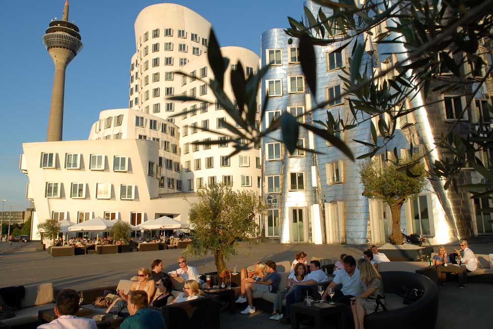 Düsseldorf Medienhafen / Gehry Buildings (photo: DMT)