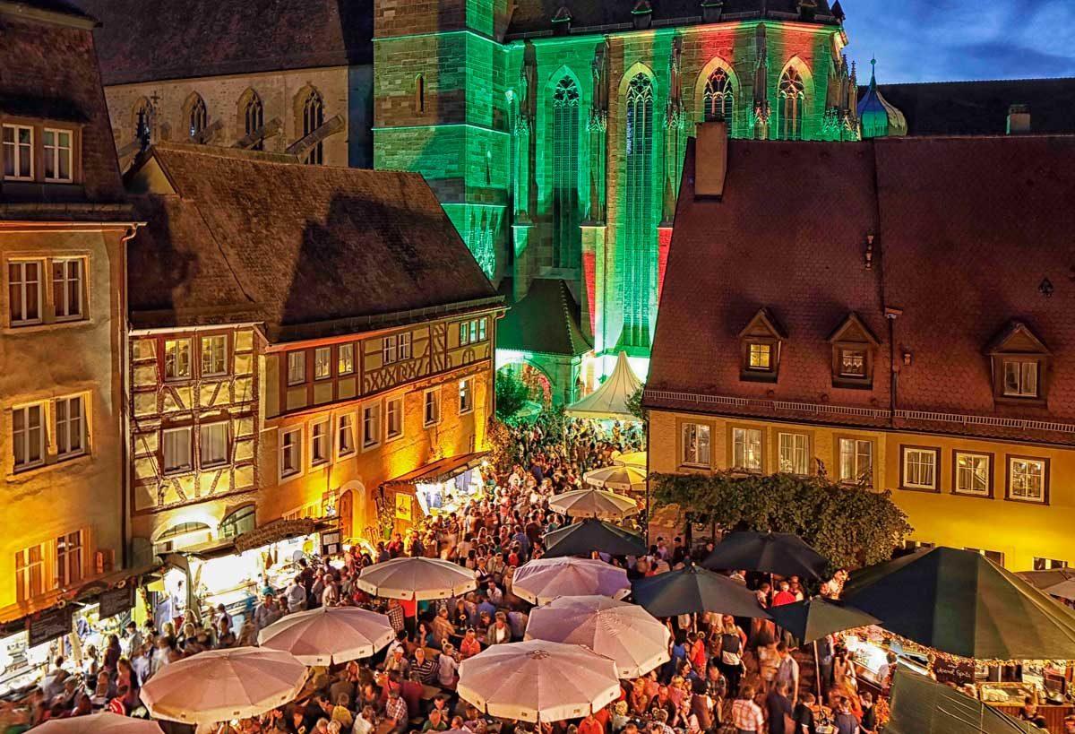 Grüner Markt and St. Jakob, Rothenburg ob der Tauber (photo: Rothenburg Tourismus Service, Pfitzinger)