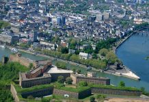 Deutsches Eck Aerial View, Koblenz (foreground: Ehrenbreitstein) (photo: Koblenz Touristik)