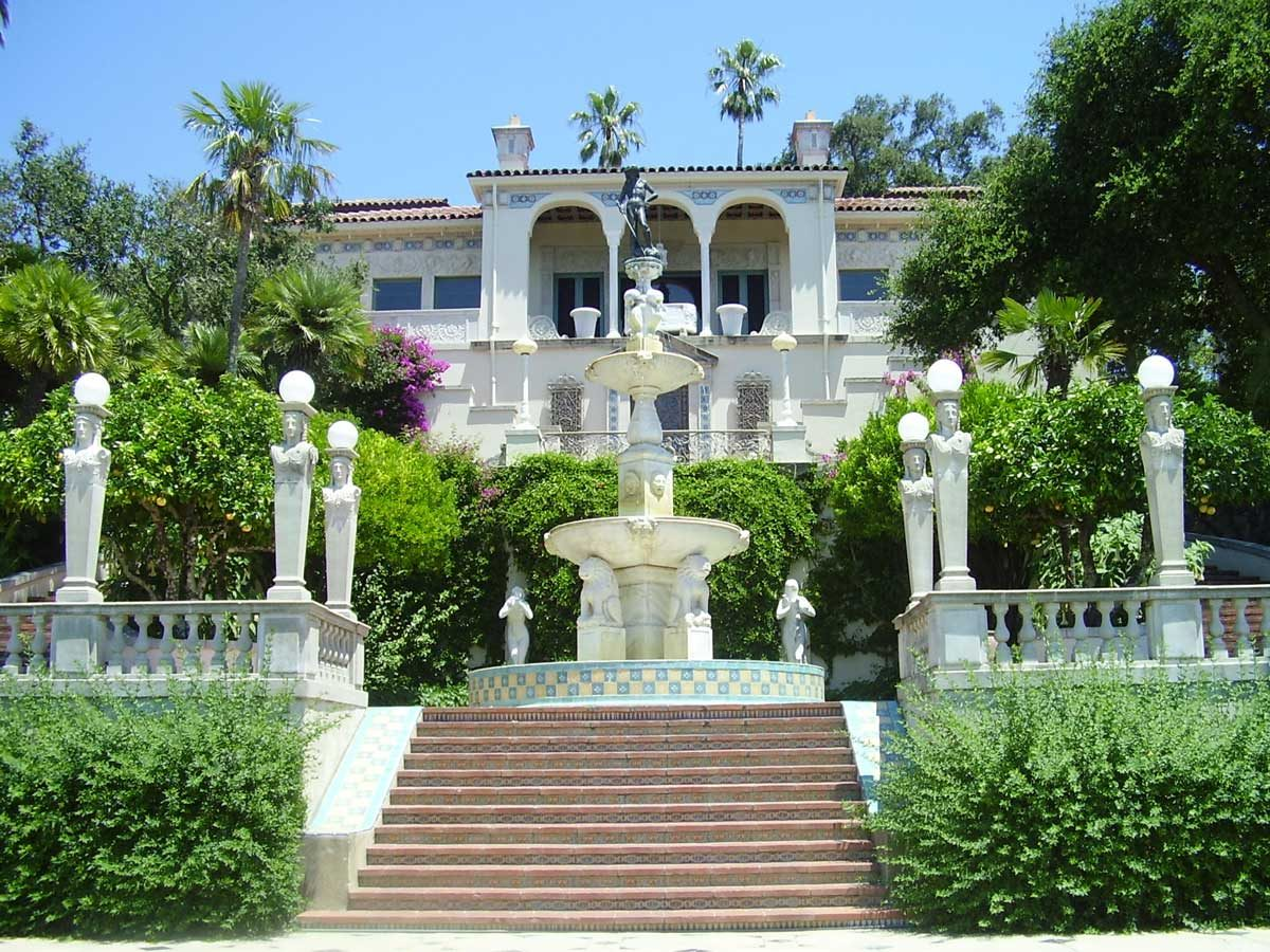 Hearst Castle [Foto Anke Meskens [CC BY-SA 3.0 (https://creativecommons.org/licenses/by-sa/3.0)]