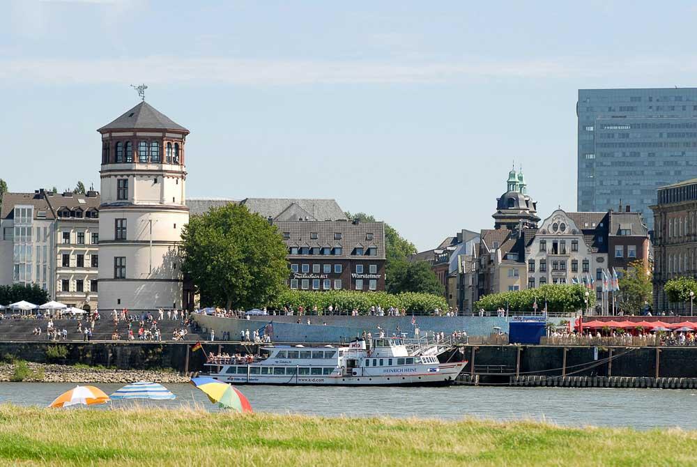 Rhine as seen from Oberkassel (photo: DMT)