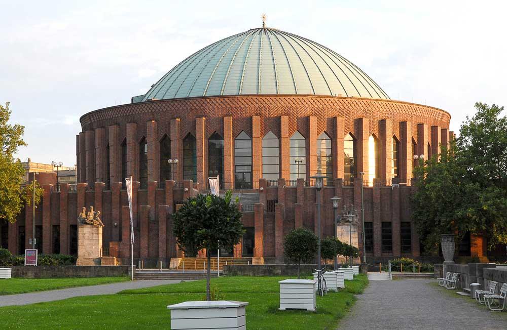 Düsseldorf Architecture / Tonhalle (photo: DMT)