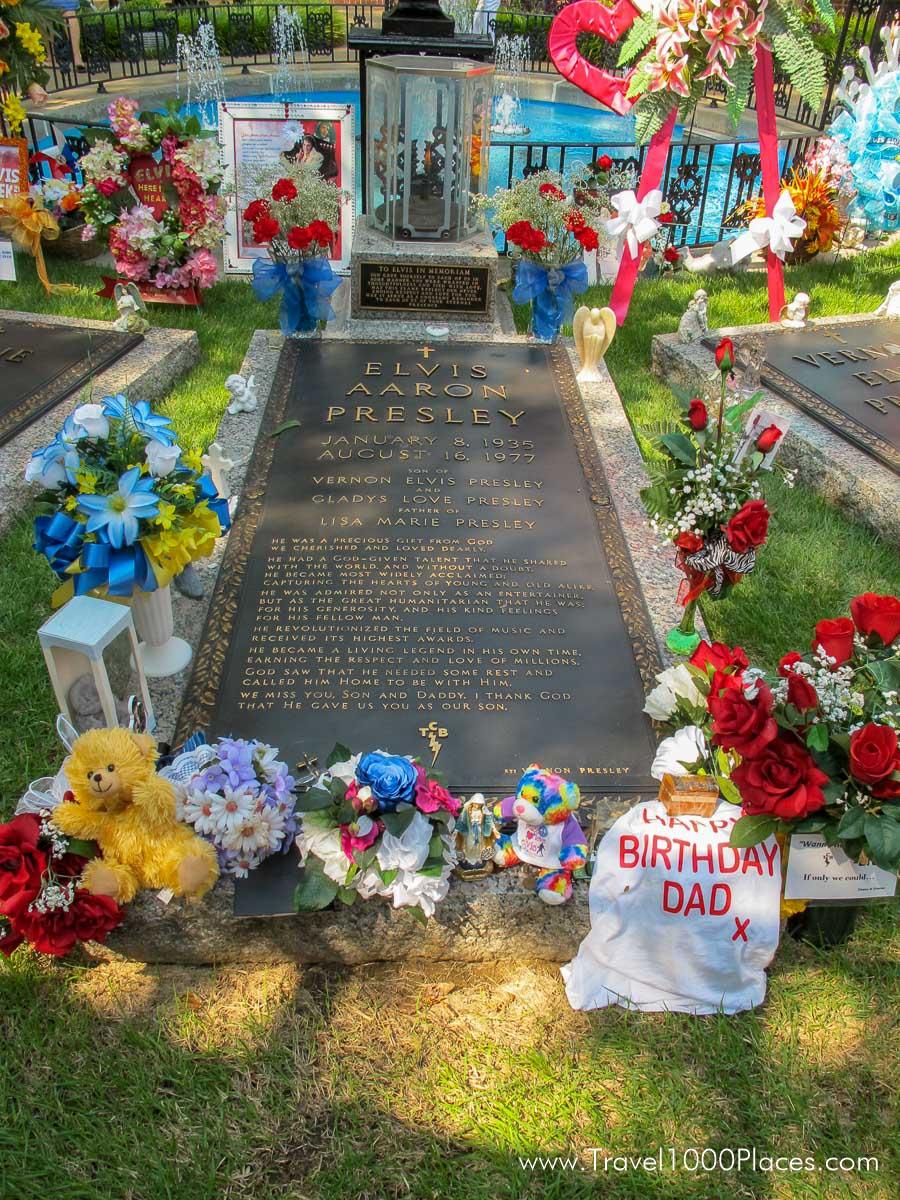 Elvis Grave in Graceland, Memphis