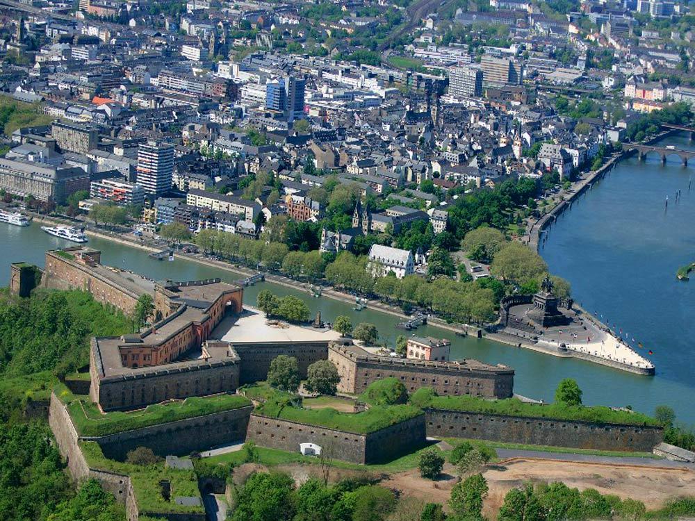 Deutsches Eck Aerial View, Koblenz (foreground: Ehrenbreitstein) (photo: Koblenz Touristik)