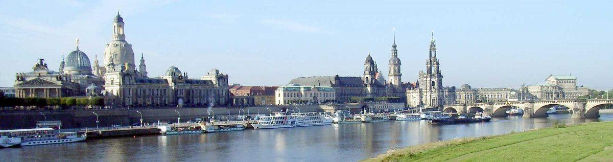 Brühl's Terrace, Dresden (Saxony, Germany), view from Carola Bridge (over the Elbe river) in southwest direction. [credit: DrTorstenHenning [Public domain]]