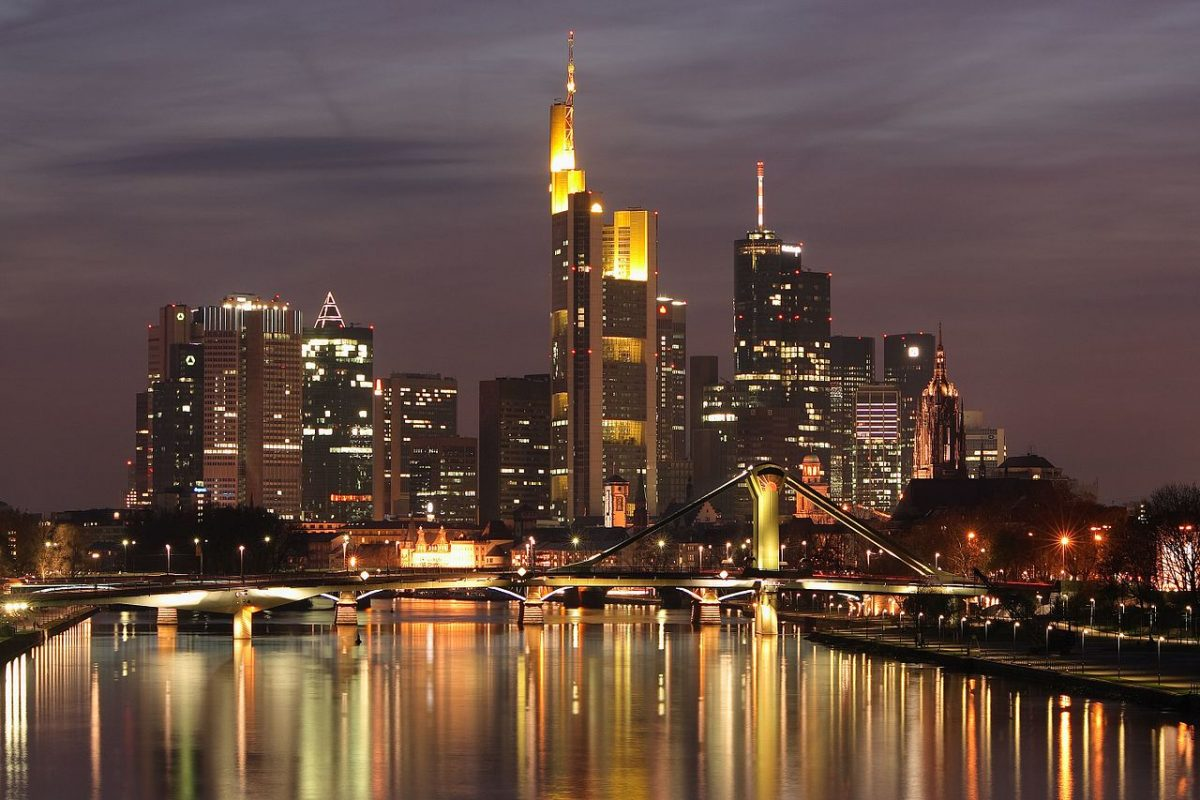 Frankfurt Skyline at night [Nicolas Scheuer [CC BY-SA (https://creativecommons.org/licenses/by-sa/2.5)]]