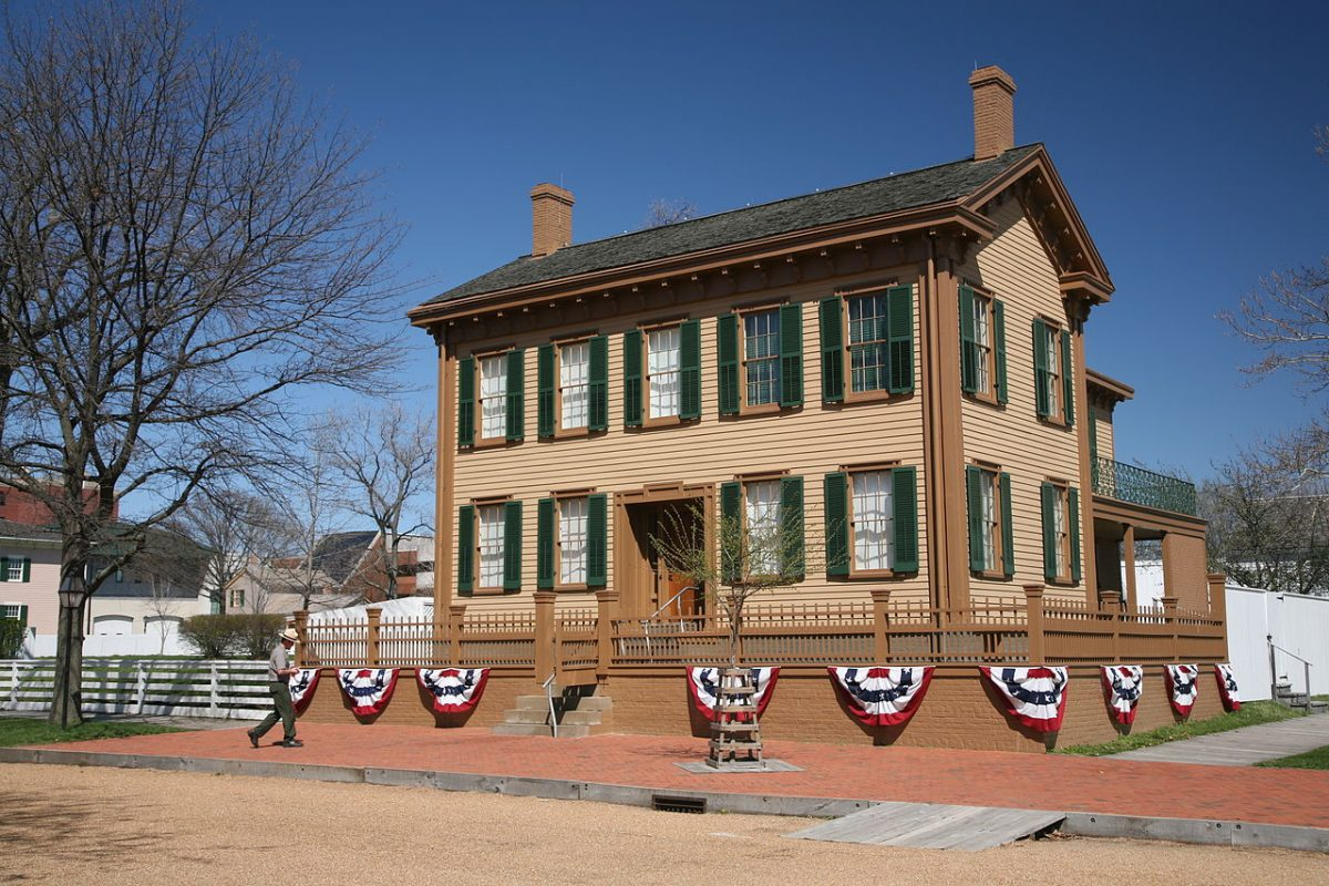 Abe Lincoln Home in Springfield, Illinois, USA [photo: Daniel Schwen / CC BY-SA (https://creativecommons.org/licenses/by-sa/4.0)]