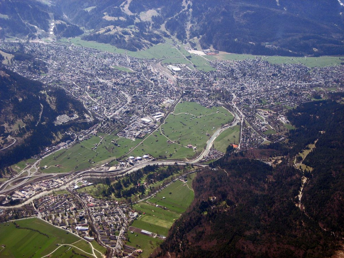 Aerial of Garmisch-Partenkirchen, Germany [photo: Maximilian Dörrbecker (Chumwa) / CC BY-SA (https://creativecommons.org/licenses/by-sa/2.5)]