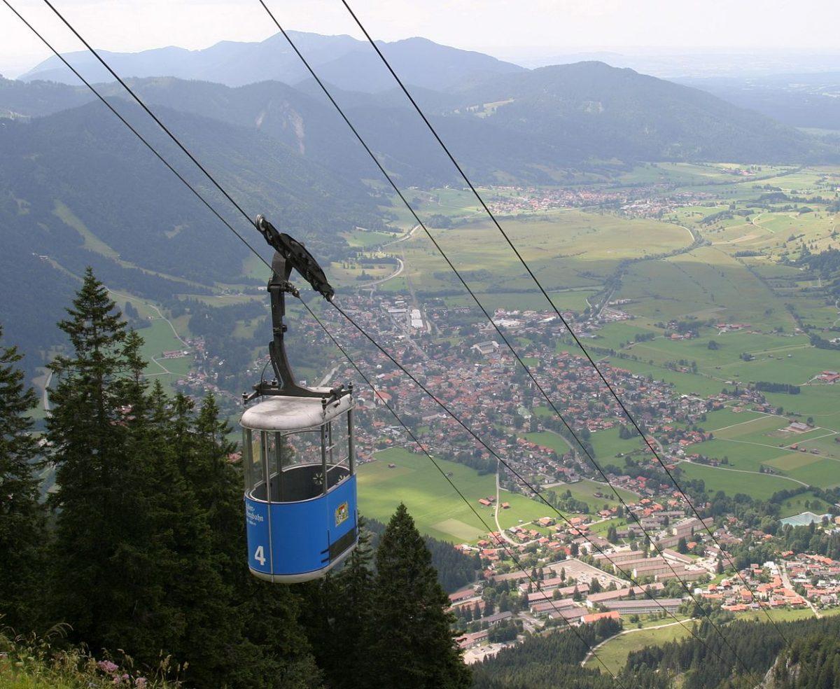 Laber Bergbahn, Oberammergau, Bavaria, Germany [photo: Jensibua / CC0 / PD]