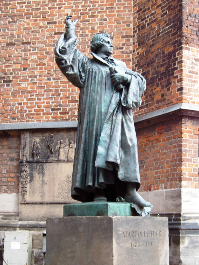 Martin Luther Denkmal, Hannover, Lower Sachsony (Niedersachsen), Germany [photo: Heidas / CC BY-SA (http://creativecommons.org/licenses/by-sa/3.0/)]