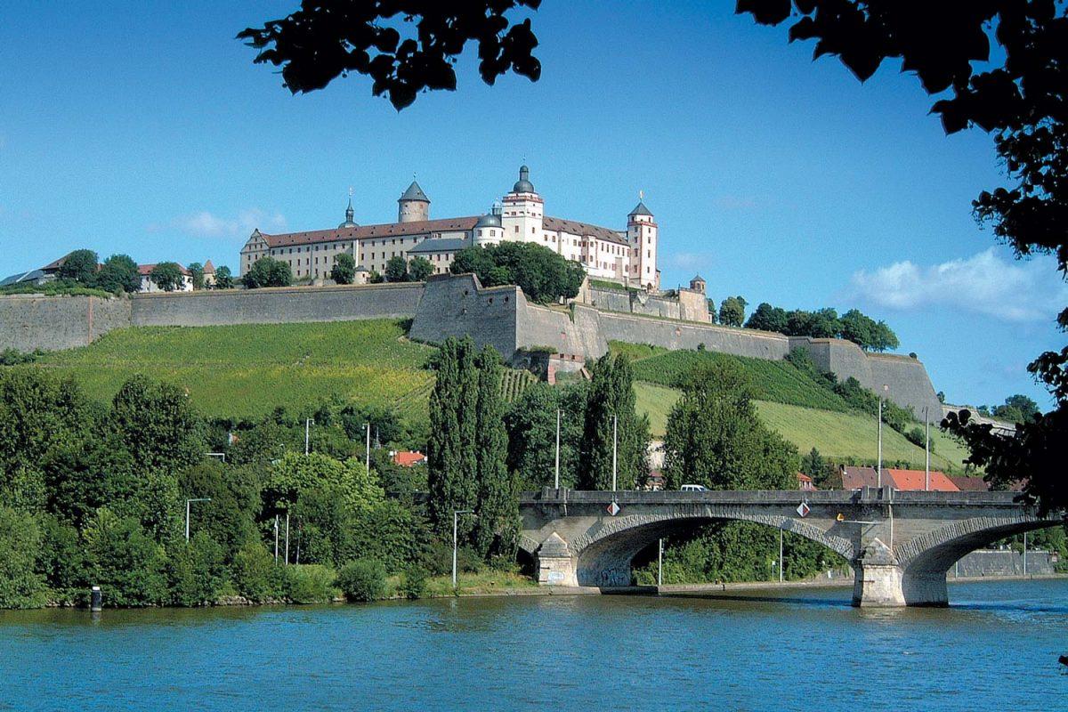 Festung Löwenbrücke [photo: Congress Tourismus-Wirtschaft Würzburg / M. Westendorf]