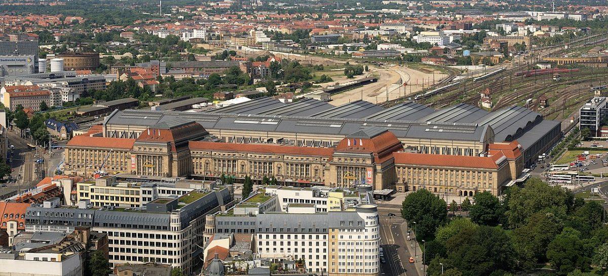 Leipzig Central Station (Leipzig Hauptbahnhof) [photo: Appaloosa, CC BY-SA 3.0 https://creativecommons.org/licenses/by-sa/3.0, via Wikimedia Commons]