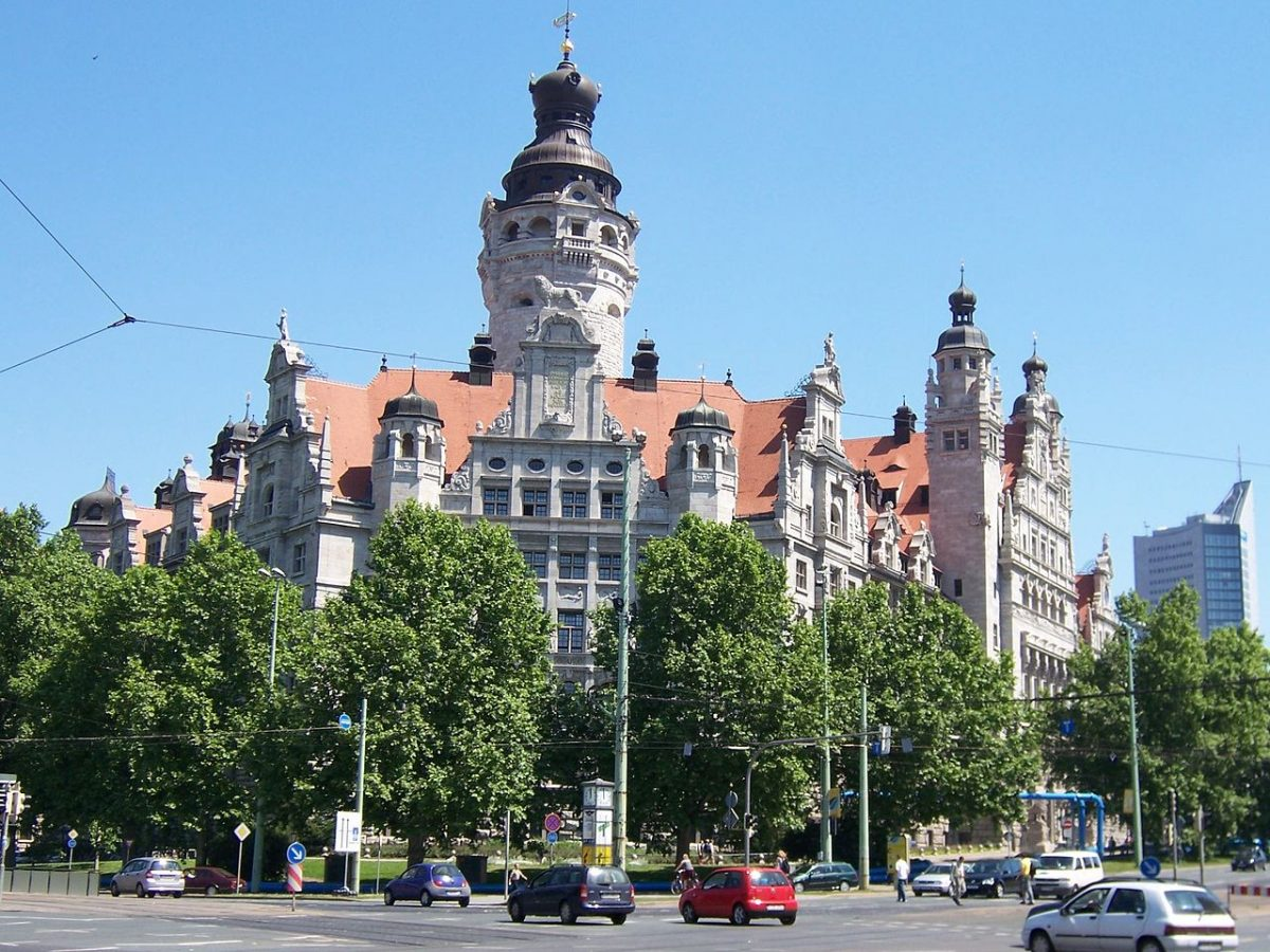 Neues Rathaus (New Town Hall) in Leipzig, Saxony (Germany) [photo: Jungpionier, CC BY-SA 3.0 http://creativecommons.org/licenses/by-sa/3.0/, via Wikimedia Commons]