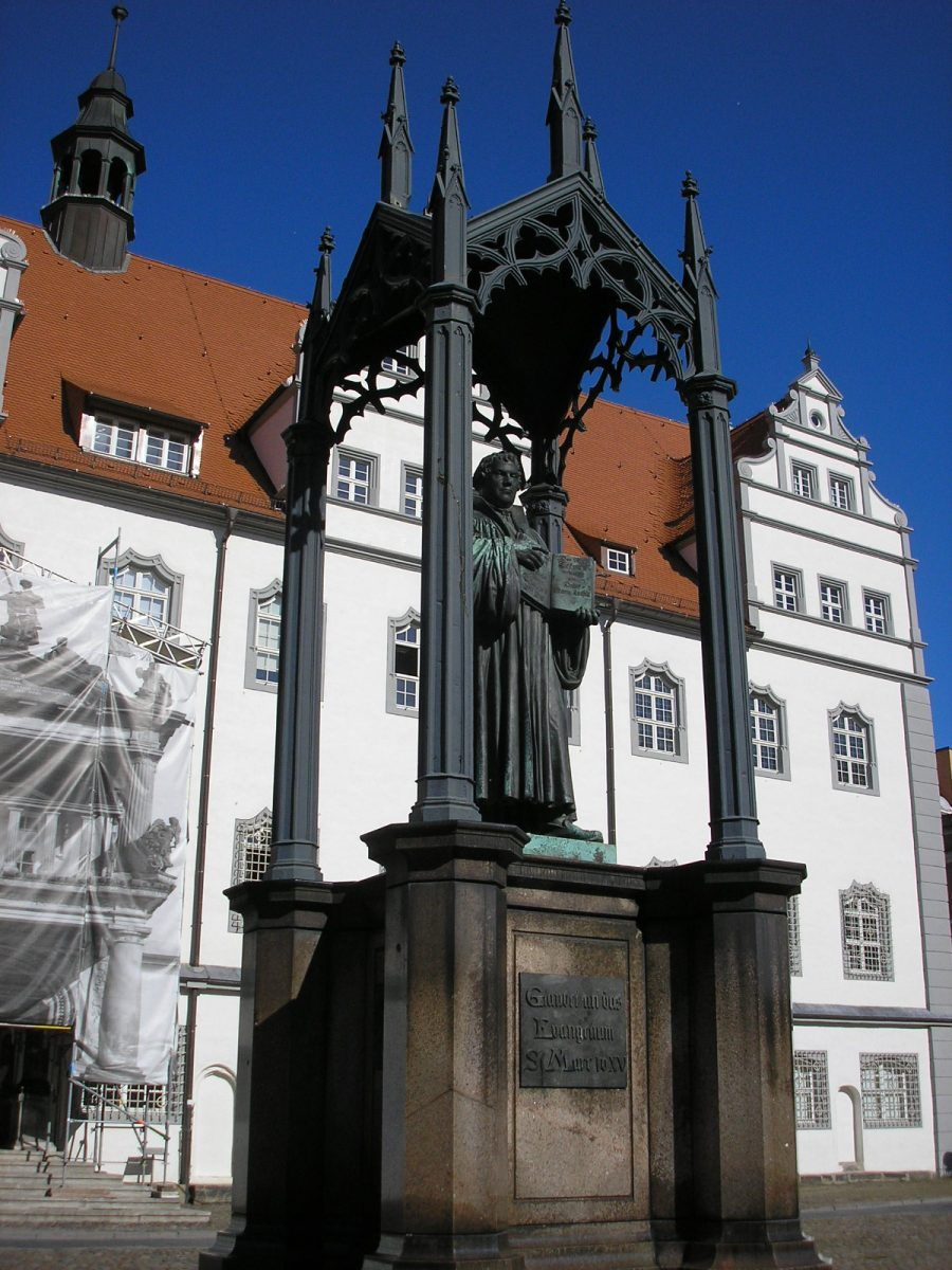 Luther Denkmal (Memorial) on the Market Square in Wittenberg [Michael Sander, CC BY-SA 3.0 http://creativecommons.org/licenses/by-sa/3.0/, via Wikimedia Commons]