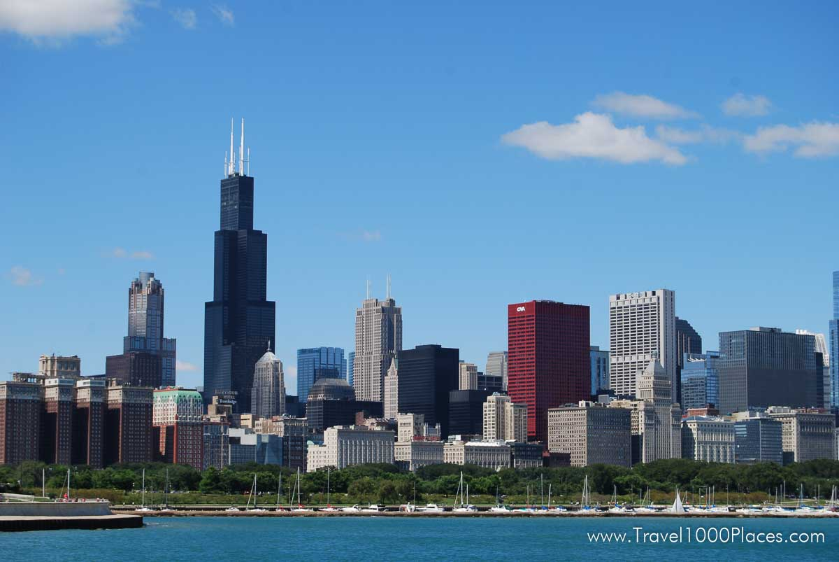 Chicago skyline with Willis Tower dominating the skyscraper scenery