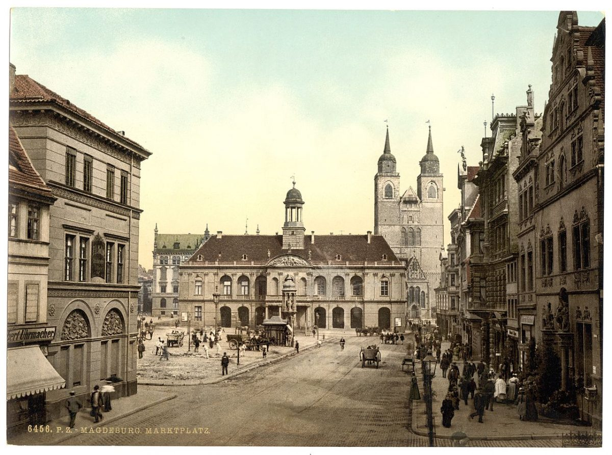 Marketplace in Magdeburg, photo taken ca. 1890-1900 [photo: Library of Congress, PD]
