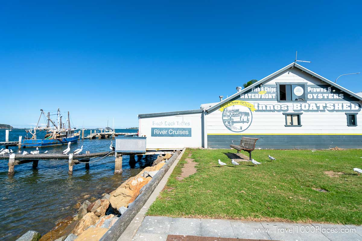 Innes Boatshed in Batemans Bay (Australia NSW) is an ideal place for a lunch break or take-out snack